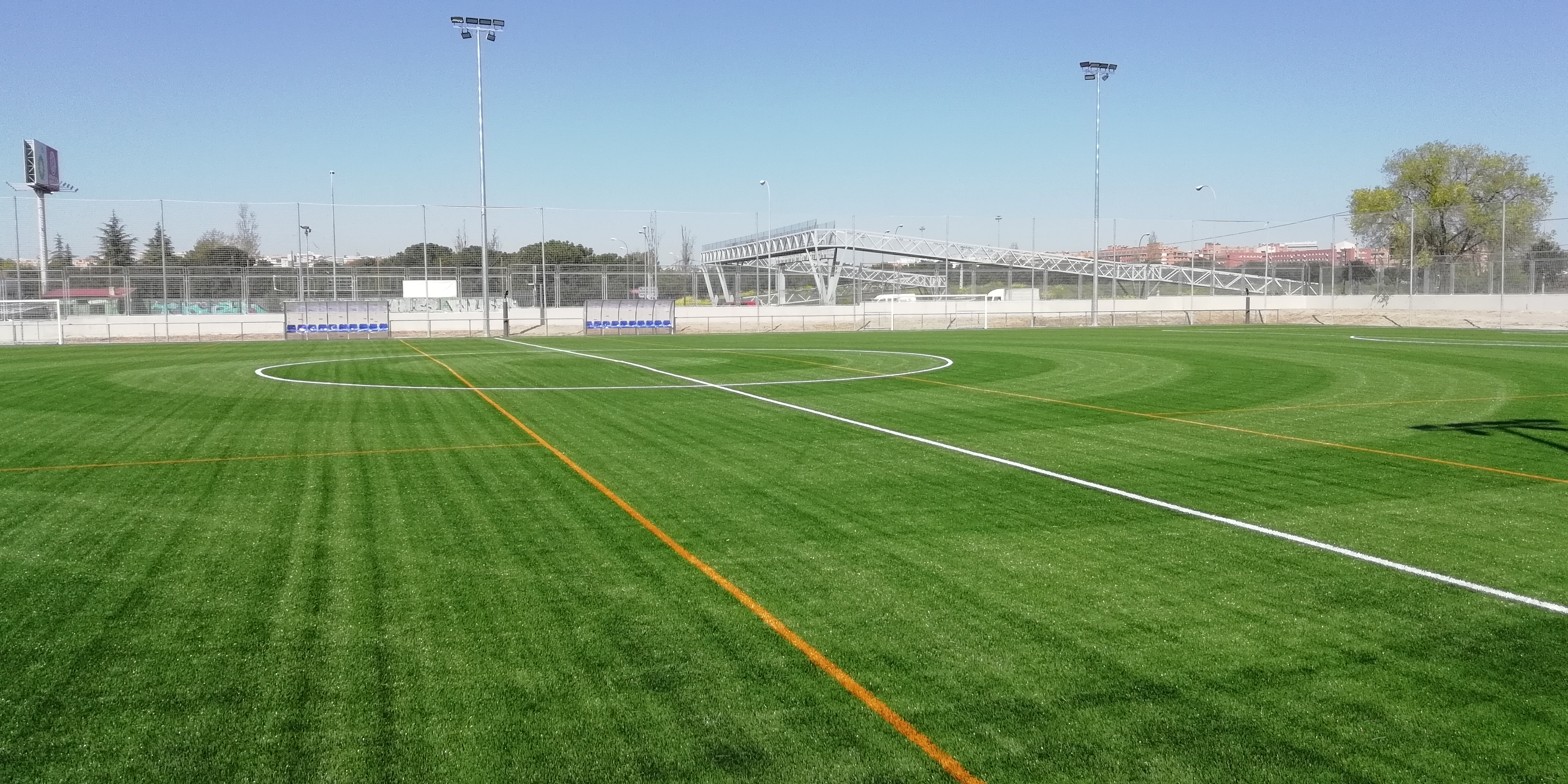 Campo de Fútbol Alzola, Madrid Image